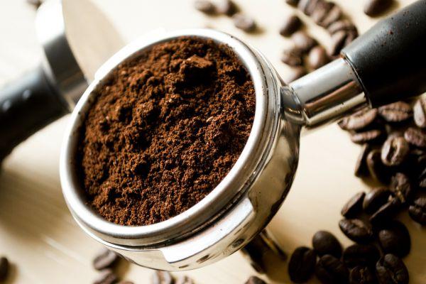 Káva a její lógr jako hnojivo
